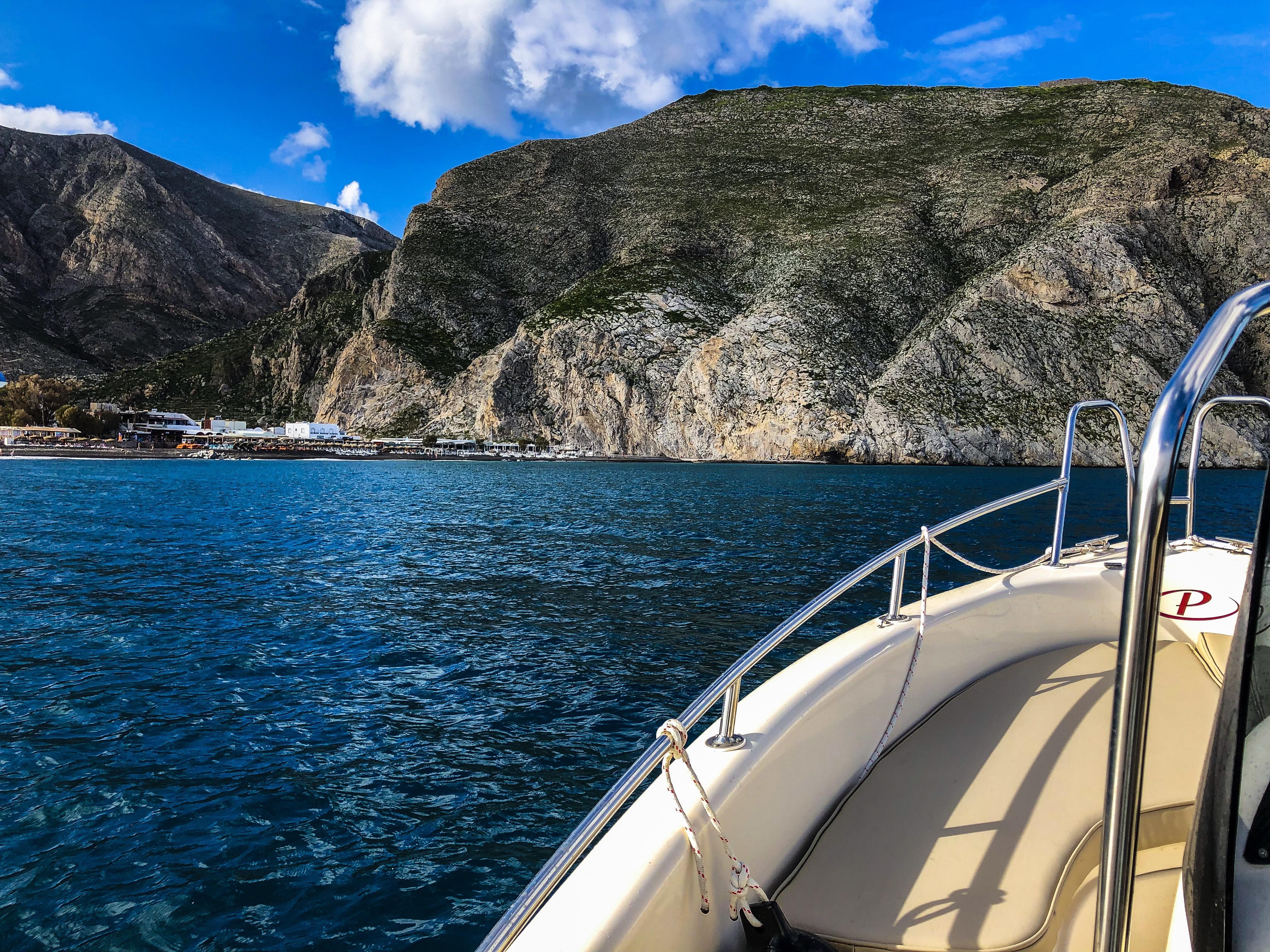 rent a boat perissa